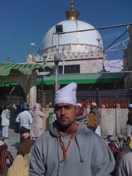 Nikz in Kwaja ji's Dargah